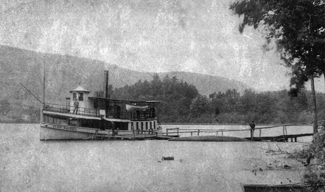 steamer-with-hemlock