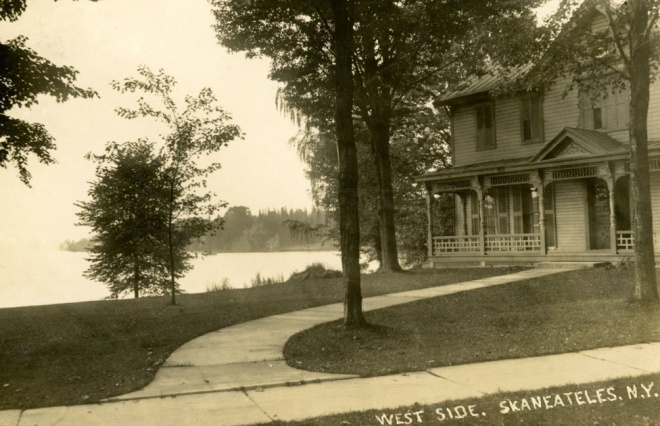 Skan West Side House