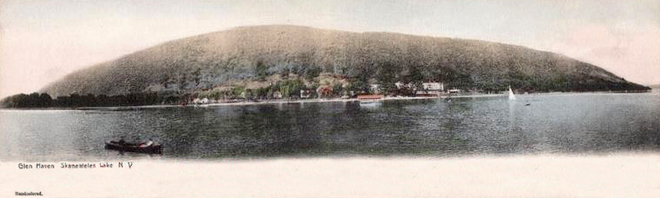 Glen Haven double postcard