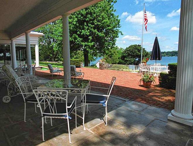 Lakelawn Porch